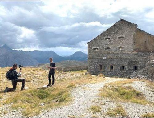 Des reporters en visite des Forts